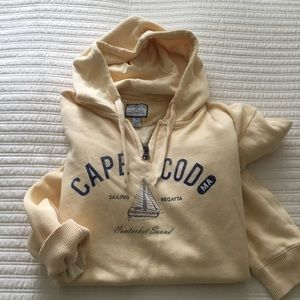 Sweatshirt hoodie cape cod pale yellow size Large